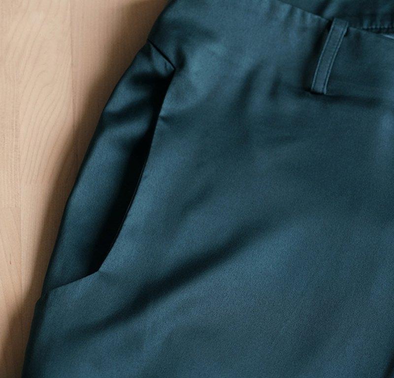 墨綠色九分褲
