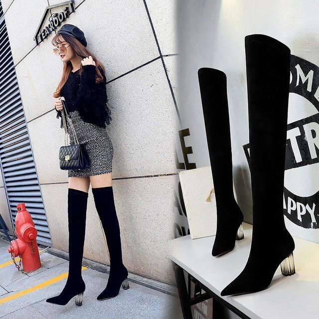 歐美時尚過膝靴 透明水晶高跟長靴 尖頭絨面性感顯瘦修腳膝上靴 不掉筒女靴 千姿