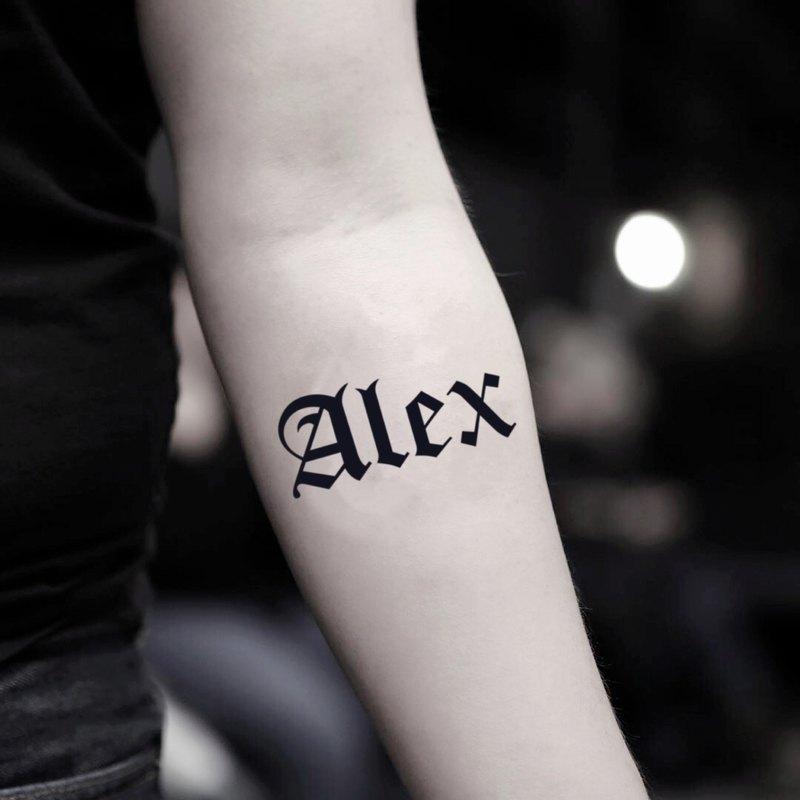OhMyTat 亞歷克斯名字 Alex 刺青圖案紋身貼紙 (2 張)