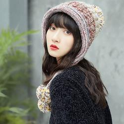 【幸福揚邑】韓版彩色毛球雙層保暖護耳小顏針織毛線帽-米