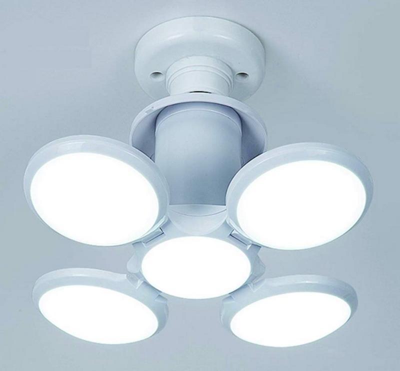 [360度照明]:光線充足,減少房間的黑暗區域,適合各種家庭,餐廳,商場等場所。 [獨特設計]:採用高導熱鋁材料作為燈板和散熱裝置,獨特的光學設計解決了LED燈的散熱問題。 E27通用燈座,易於安裝。