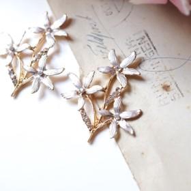 白銀のお花と葉っぱのパーツC・2pcs