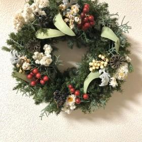 クリスマスnoel グリーンと山帰来のリース