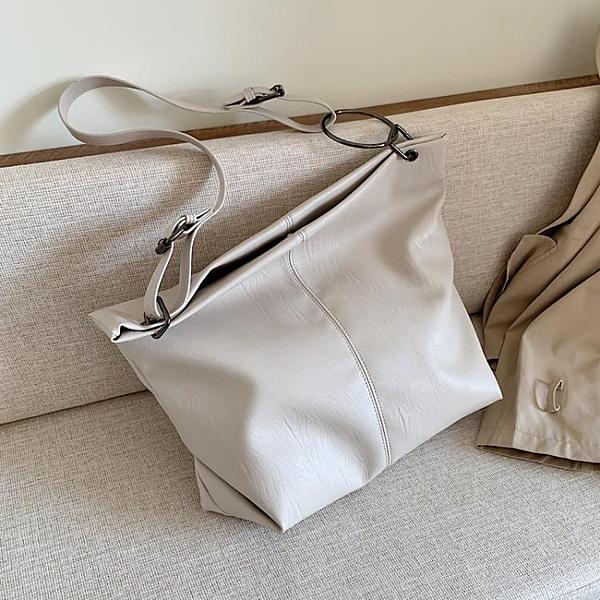 單肩大包包女潮韓版百搭大容量軟面斜挎包時尚托特包 - 風尚3C