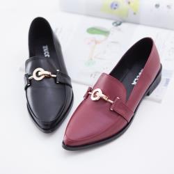 ZUCCA【z6710】金屬尖頭低跟紳士鞋-黑色/紅色
