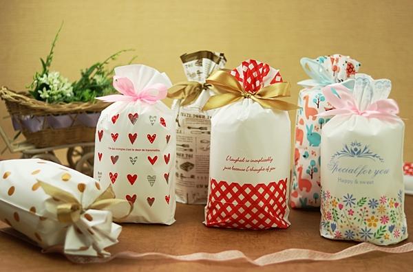 1入可愛束口袋 糖果袋 餅乾袋 巧克力袋 禮品袋【D083】禮物抽繩袋 婚禮小物包裝 塑膠袋 伴手禮袋