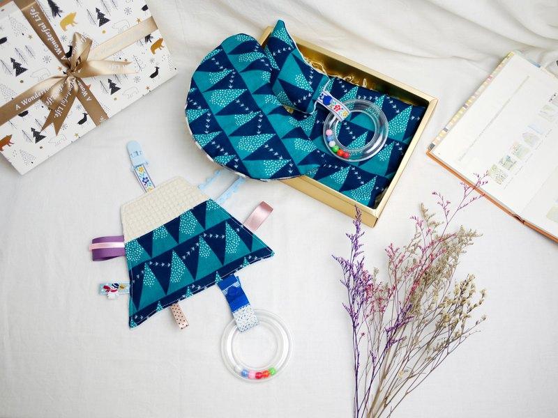 彌月禮盒:::八層紗口水巾 安撫巾 手搖鈴 六層紗手帕│靛之鴿