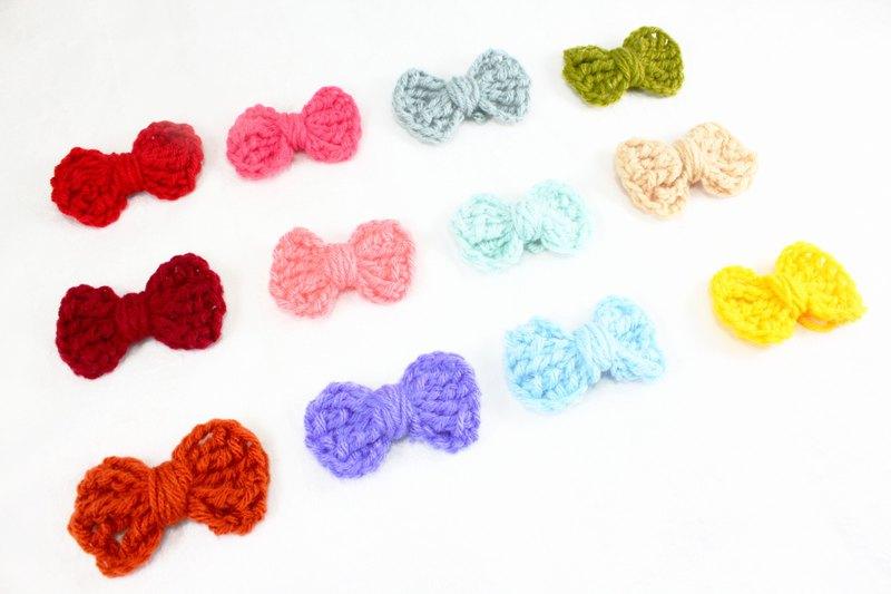 由柔軟的棉紗製成的鉤編甜美蝴蝶結蝴蝶結 使用這些五顏六色的蝴蝶結來裝飾髮型。