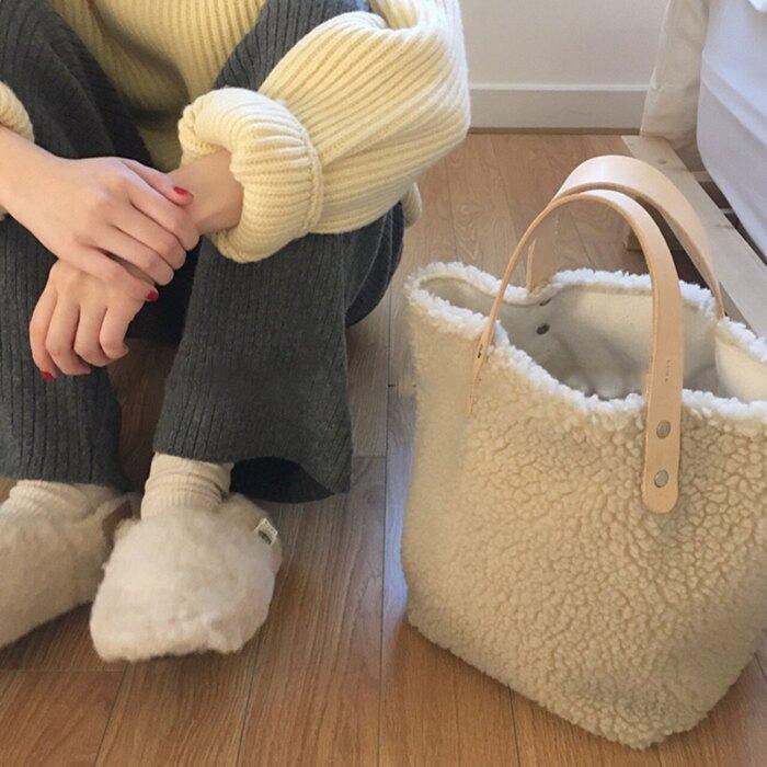 冬天必備 毛毛 手提包 奶茶色 上班族 大地色 托特包 大容量 休閒 逛街/上課 購物包/媽媽包/購物袋 羊羔毛 包包