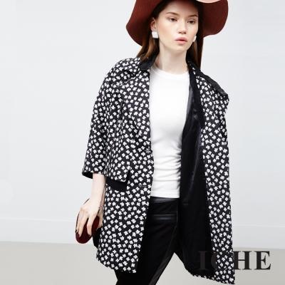 ICHE 衣哲 天然絲印花版連帽外套