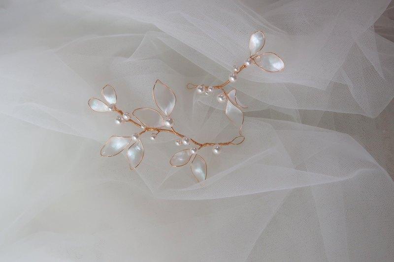 蝴蝶飛舞 (兩件組) - 手作水晶花樹脂飾品 新娘頭飾/伴娘配飾