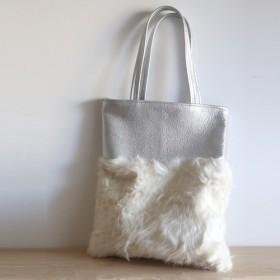 creema限定(先着1名様)☆もこもこ羊のリアルファーの手提げバッグ SILVER & WHITE