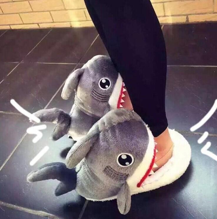 鯊魚造型室內拖鞋 保暖毛絨棉 居家休閒 冬季保暖 可愛動物造型 創意生活葉子小舖