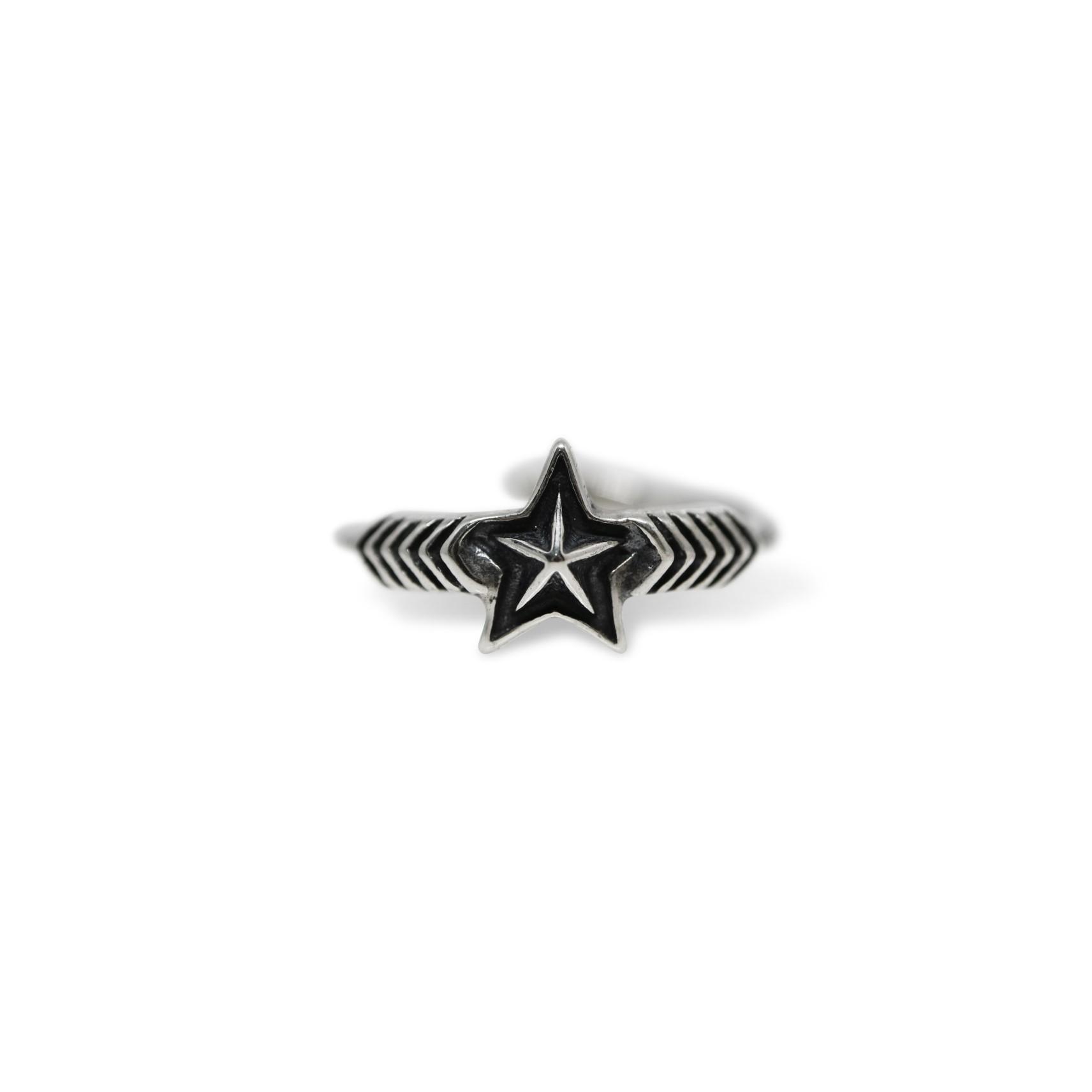 DOUBLE ARROW SMALL STAR RING [USD $430]