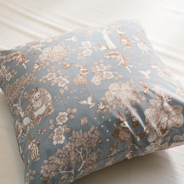 鹿先生的奇幻小屋 手工方抱枕 45X45cm【棉床本舖】