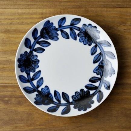 [偶拾小巷] 日本製 波佐見燒 職人手繪雛菊 小皿18cm - 藍色