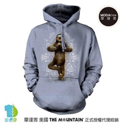 摩達客 美國The Mountain 功夫樹懶灰藍底  環保藝術長袖連帽T恤