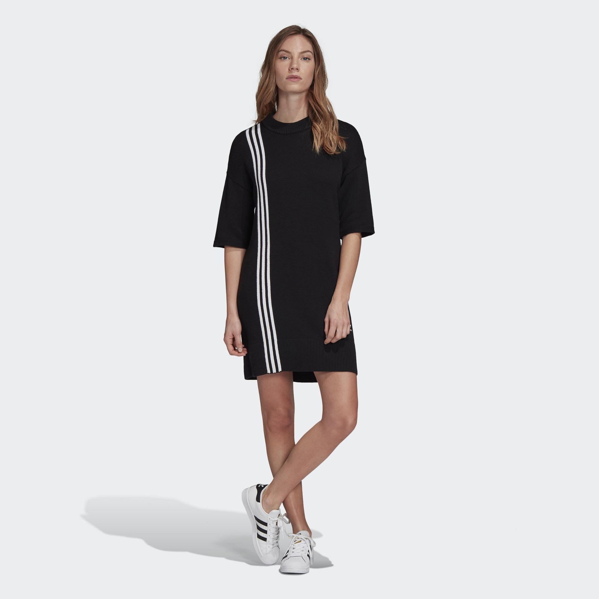 不對稱設計的針織洋裝