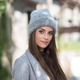 MYKUNSIA ニット帽 女性のニット冬の帽子の女性暖かい綿毛のビーニーガールソリッドSkulliesビーニーソフトハット女性の冬のキャップ