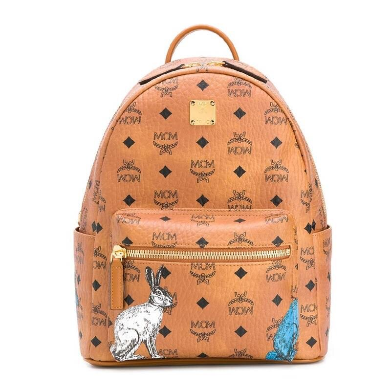 【Chiu189英歐代購】MCM logo Backpack 兔子圖騰 大款 後背包 焦糖色