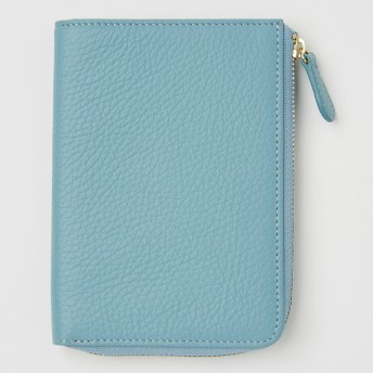 [キオッチョラ]イタリアンレザーL字ファスナーパスポートケース ライトブルー