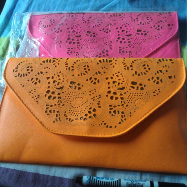 鏤空蕾絲信封包螢光橘/螢光粉紅