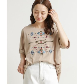 (framesRayCassin/フレームスレイカズン)オルテガ刺繍裾タックドルマンTシャツ/レディース ベージュ