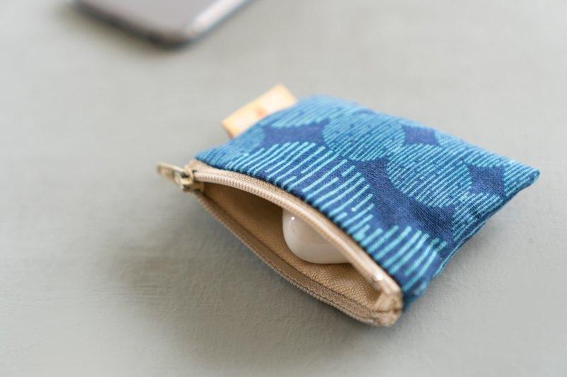 情侶款客制 |  Apple AirPods Pro 點線藍花布.耳機殼布製保護套