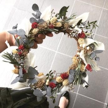 wreath scarlet