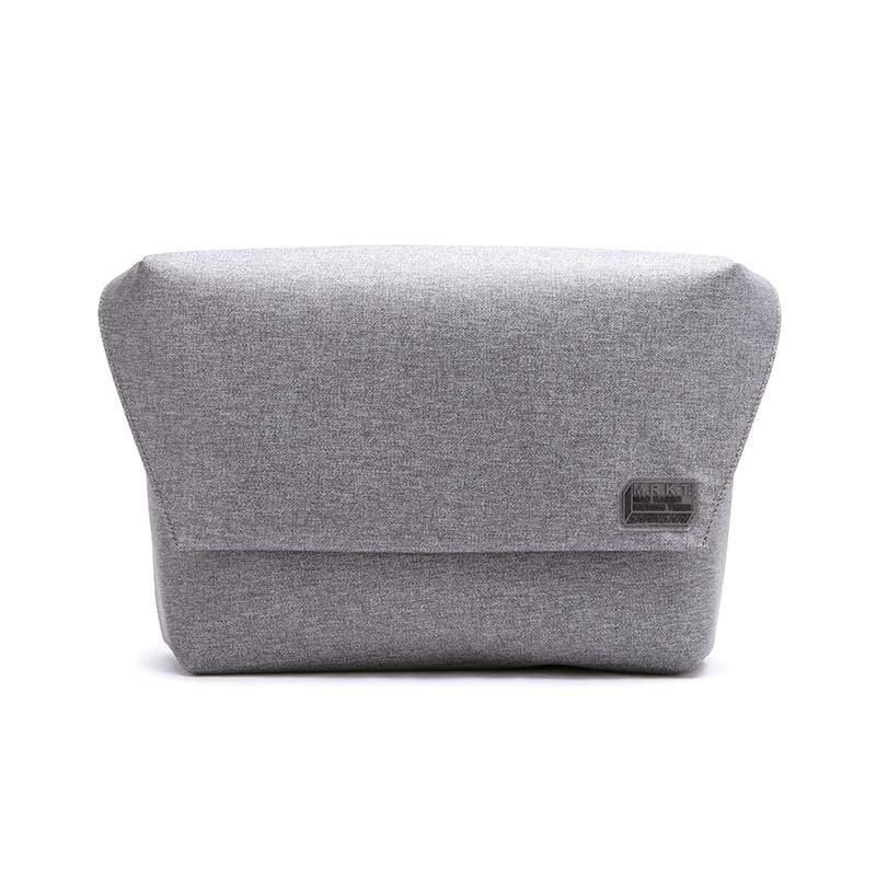 極簡迷你吸磁式郵差包- 淺灰色 隨包附贈筆袋、方型小包各一(顏色隨機)