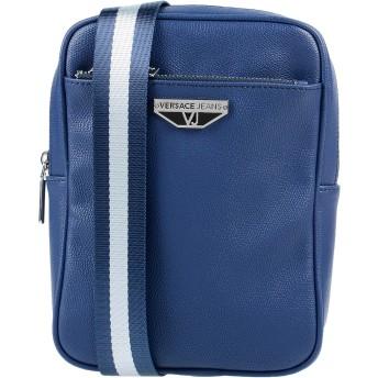 《セール開催中》VERSACE JEANS メンズ メッセンジャーバッグ ブルー ポリエステル 100% / ポリウレタン樹脂