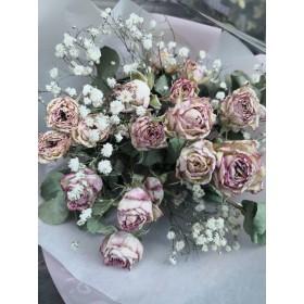 フェアリーピンクのバラとカスミソウのドライフラワーブーケ