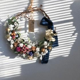 春のユーカリとアンティーク薔薇のボタニカルリース