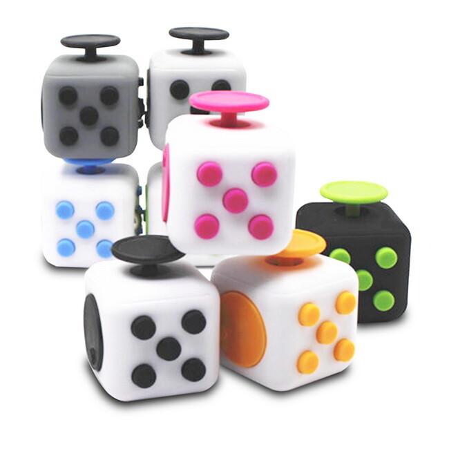 (一組2入)輕巧款正六面解壓方塊(fidget cube)(顏色隨機)
