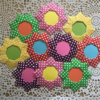 折り紙 カラフルカラー 水玉 ドット柄 お花 10個 メダル 名札 壁面飾り 施設 病院 保育園