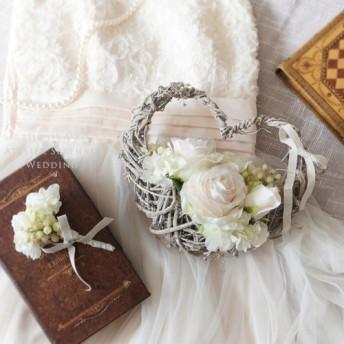 ホワイトローズ&ベリーの花かごハートブーケ&ブートニア -mini size