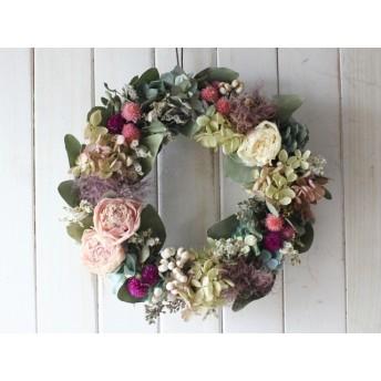 芍薬とスモークツリーのロマンティックリース