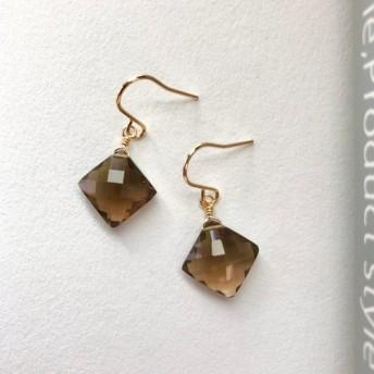 スモーキークォーツ 宝石質 正方形のブリオレットカットのピアス(14kgf)