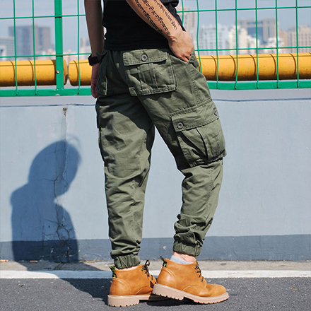 素面多口袋抽繩縮口褲工作長褲 寬鬆版型黑色軍綠色卡其褲束口褲 有大尺碼【QTJK0472】