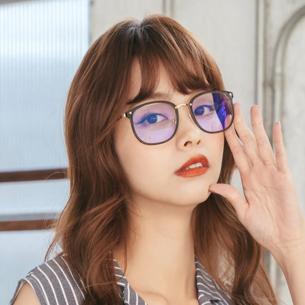 質感復古設計杏仁棕方框UV400濾藍光眼鏡| 曼徹斯特的天際漫遊│ALEGANT