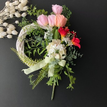 Tulip wreath pink or yellow