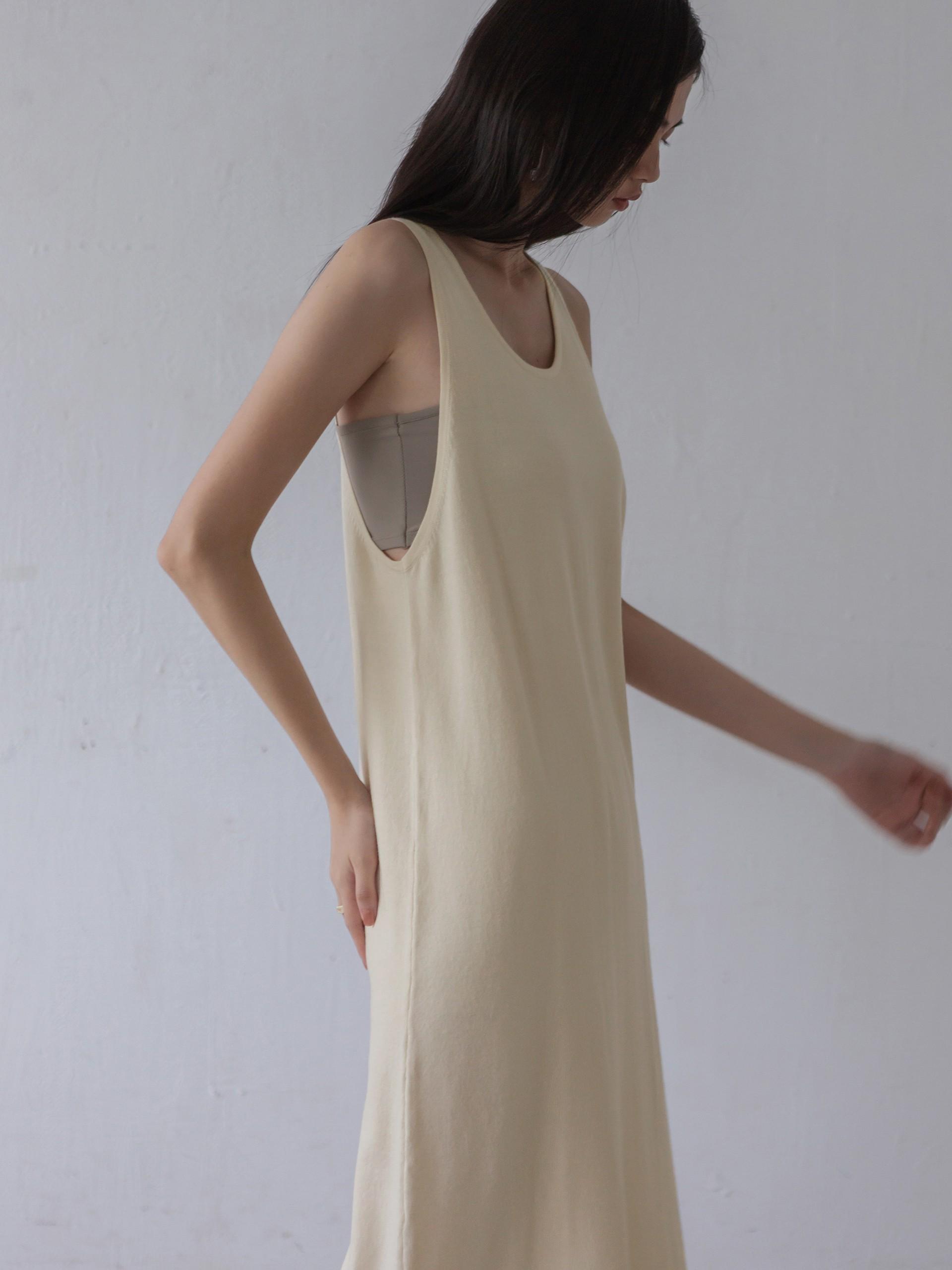 針織親膚柔軟洋裝-mouggan
