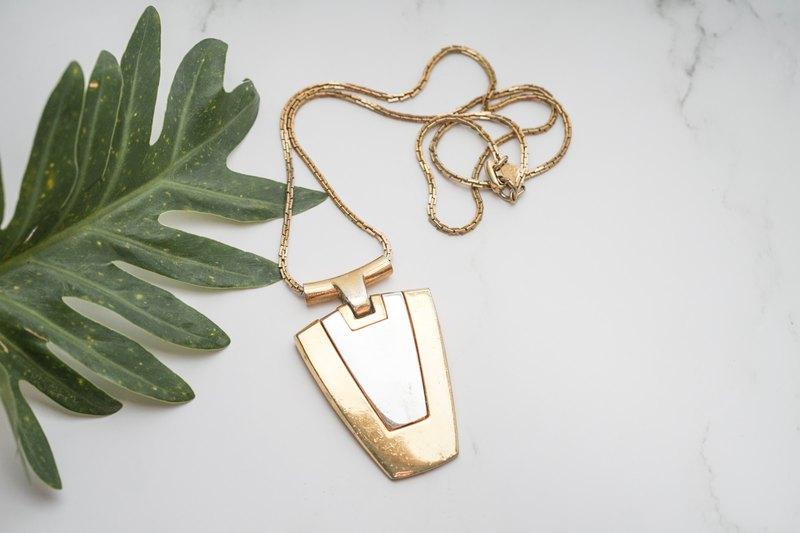 【古董飾品/西洋老件】VINTAGE美國TRIFARI時尚墜飾古著長項鍊