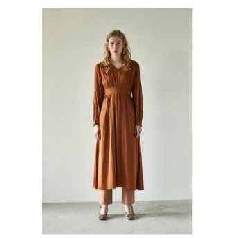 マウジー moussy PIN TUCK FLARE DRESS (ブラウン)