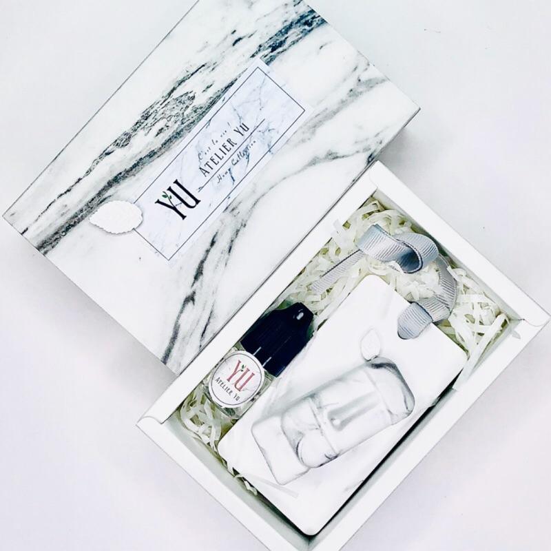 Atelier YU 手工精緻大理石紋香磚禮盒-摩艾 香磚掛牌 含香氛