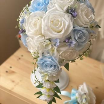 白バラ×水色×紫小花のオーバルブーケ☆
