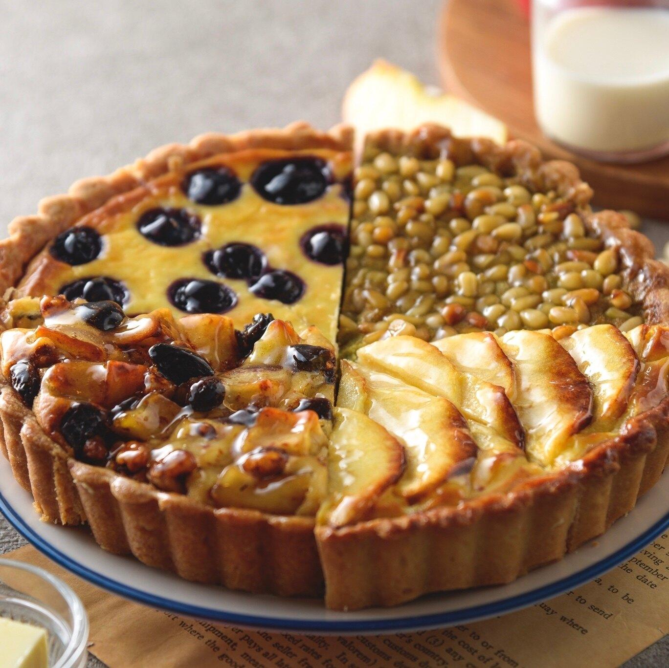 【烘樂夫烘焙】(8入組合搭配)  法式甜派 乳酪蘋果派1片 乳酪藍莓派1片  法式蘋果派1片  抹茶松子派1片  舒芙列蛋糕4片     巴黎的滋味