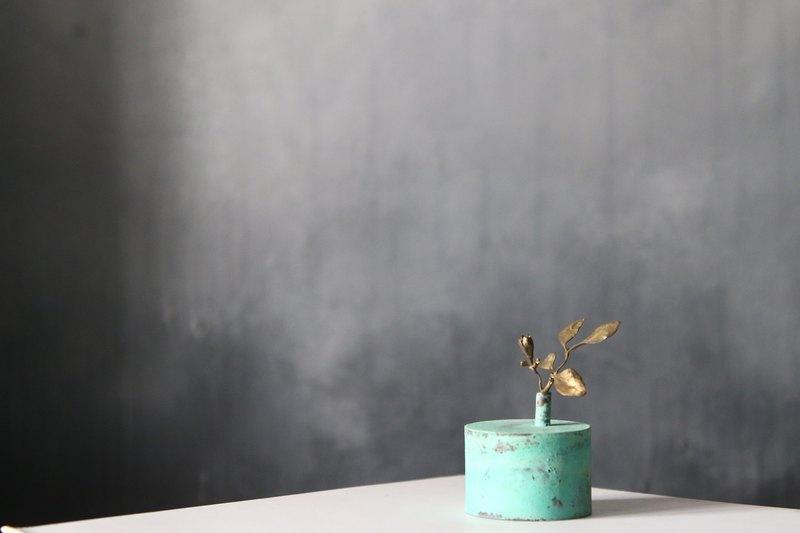 花器#06大銅綠+展翅銅花