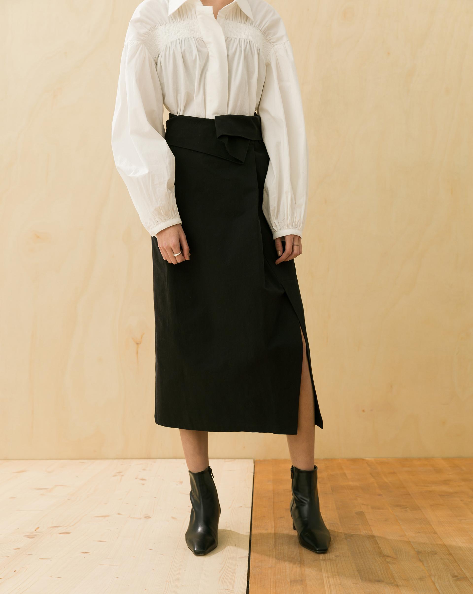 Meierq+設計感打摺開叉長裙