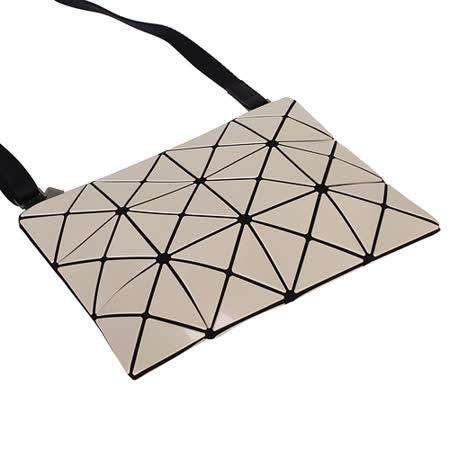 ISSEY MIYAKE  BAOBAO幾何方格3X4肩斜背包(米)亮面